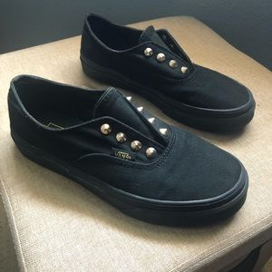 🖍🖌 BACK TO SCHOOL📕✂️ Studded Vans!!